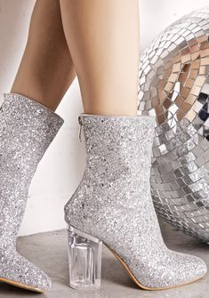 how gorgeous are these. vegan used to not get any cool shoes, now we have these #vegan #shoes
