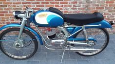 Itom Competizione Vintage Moped, Vintage Cars, Moped Scooter, Classic Bikes, Sport Bikes, Cars And Motorcycles, Motorbikes, Vehicles, Wheels