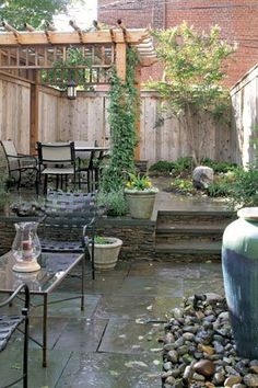 Have a small backyard? Maybe just a court yard? This is a great way to make the most of a small space.