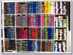 kast met wol in mijn winkel in Delft .