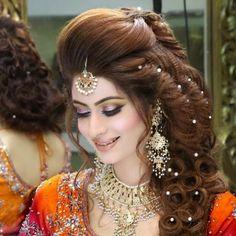 Khashees Bridal Makeup 2019 Pakistani Style Makeup Trends 2019 new makeup trends 2019 in pakistan Kashees Hairstyle, Party Hairstyles, Latest Hairstyles, Bride Hairstyles, Hairstyle For Wedding Day, Pakistani Bridal Hairstyles, New Makeup Trends, Braut Make-up, Hair Styles 2016