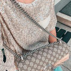 """What i love auf Instagram: """"Time to shine. Mein gestriges Dinner-Outfit. 🤩 Schönen Start in die kurze Woche ihr Lieben. Mein Tag hat leider gar nicht schön begonnen -…"""" Dinner Outfits, Sequin Skirt, Sequins, Blog, Instagram, Fashion, Nice Asses, Moda, Fashion Styles"""
