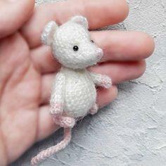 Мышка крючком вязаная игрушка