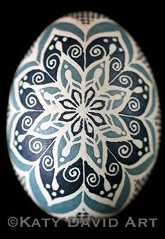 Blue and Gray-Blue Filigree design Modern Pysanky ©Katy David Art Egg Designs, Flower Designs, Pattern Designs, Patterns, Ukrainian Easter Eggs, Easter Projects, Fish Shapes, Filigree Design, Egg Art