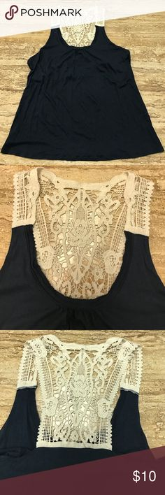 Cool and cute Blue Banana Republic Tank Women's size XL Banana Republic tank top!  Has a very tiny hole on left side. This is so cute on!! Banana Republic Tops Tank Tops