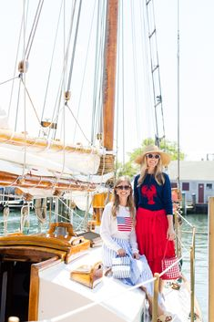 Travel: Guide to Nantucket with Palm Beach Lately Preppy Outfits For School, Red And White Outfits, Neon Accessories, England Beaches, Nantucket Style, Nantucket Island, Vacation Outfits, Beach Outfits, Spring Outfits