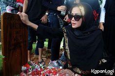 Ibunda penyanyi dangdut Kristina yaitu Dariyah meninggal di usia 66 tahun karena...