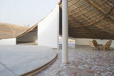 Künstlerresidenz im Senegal / Unterm Reetdach - Architektur und Architekten - News / Meldungen / Nachrichten - BauNetz.de