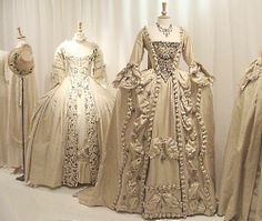 1700's Gown's