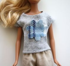 barbie knit top tutorial – Craftiness Is Not Optional Sewing Barbie Clothes, Barbie Sewing Patterns, Sewing Dolls, Doll Clothes Patterns, Doll Patterns, Clothing Patterns, Knitting Patterns, Barbie Style, Barbie Top