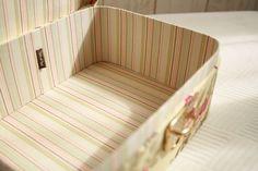 オーダーメイドでお作りした布箱です。シークレットBOXはご自分用に。ラウンドネスBOXはお義母さま用に。布はすべてお客さまがお持ち込みされました。ご相談いただいた当初、お義母さまのカルトナージュも鍵付きで、シークレットボックス同様丸みのある