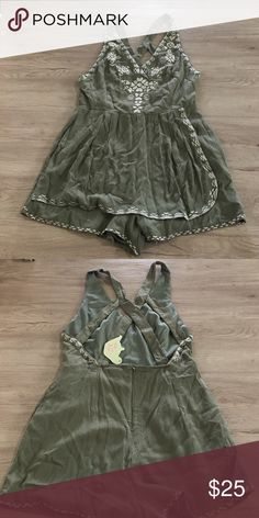 NWT green romper NWT green romper. Adjustable button straps. Back closure zipper. Tea n Cup Other