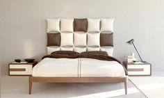Cabeceros de cama con almohadas, paléts, puertas, etc...