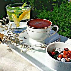 Turkish Coffee and Tea Turkish Sweets, Turkish Coffee, Egg Coffee, Coffee Cafe, Good Morning Coffee, Coffee Break, Coffee Presentation, Ground Coffee Beans, Turkish Delight
