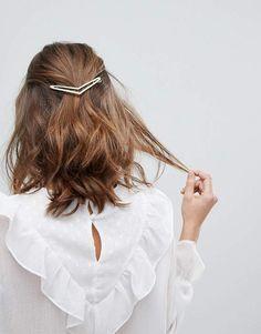 Orelia Arrow Hair Slide associates me of spring love and cupidon. :) I like her shirt a lot too! #ad