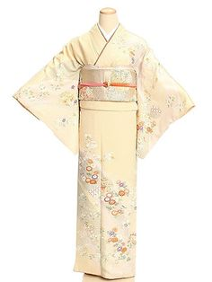 訪問着t242クリーム他3色鹿の子雪輪と四季 Yukata Kimono, Kimono Japan, Kimono Top, Japanese Outfits, Japanese Clothing, Japanese Geisha, Traditional Outfits, Style Me, Formal