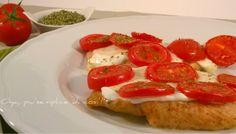 Pollo con mozzarella e pomodorini, ricetta semplice. http://blog.giallozafferano.it/oya/pollo-con-mozzarella-pomodorini-ricetta/