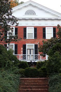 Pavilion at the University of Virginia || katelynbrooke.com