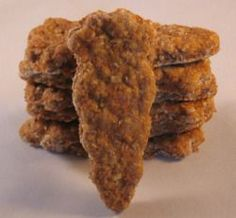 Healthy Dog Treats Homemade Dog Biscuits for Dog Weight Loss Dog weight loss can be a sensitive subject, especially when it comes to cutting out high calorie (but often very yummy) dog treats. Puppy Treats, Diy Dog Treats, Homemade Dog Treats, Dog Treat Recipes, Healthy Dog Treats, Dog Food Recipes, Homemade Biscuits, Dog Weight, Weight Loss