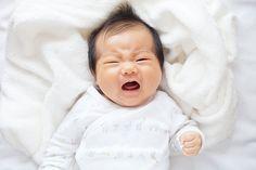 Bebês podem chorar de duas a três horas seguidas em um período de 24 horas e conviver com esse barulho não é fácil. Essas estratégias podem acalmar vocês dois