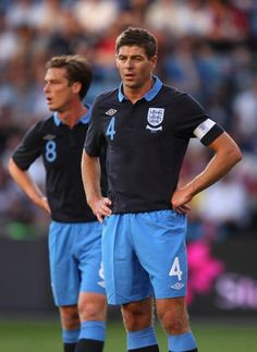 steven gerrard,and scott parker.two amazing midfielders Stevie G, England Players, G Man, England Football, Steven Gerrard, Liverpool Fc, Football Soccer, Athlete, Sporty