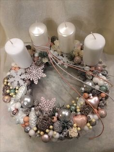 Christmas Advent Wreath, Mini Christmas Tree, Winter Christmas, Christmas Home, Christmas Crafts, Merry Christmas, Christmas Centerpieces, Christmas Decorations, Holiday Decor