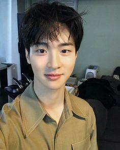 Korean Male Actors, Handsome Korean Actors, Korean Celebrities, Asian Actors, Park Bogum, Actors Birthday, Kim Jisoo, Boy Pictures, Kdrama Actors