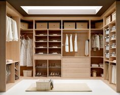 Diseño para un vestidor amplio