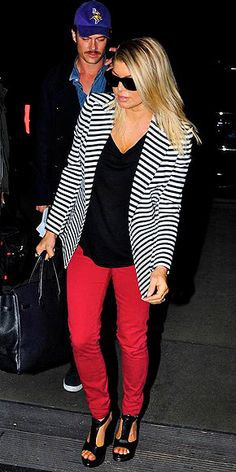 Scarlet skinnies with a striped blazer... gorgeous summer outfit!
