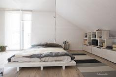 Vivola, asuntomessut New Homes, Cottage, Bed, Summer, Furniture, Home Decor, Summer Time, Decoration Home, Stream Bed