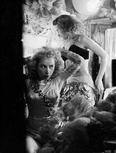 Lodge girls backstage, 1953. Photo by Robert Doisneau.
