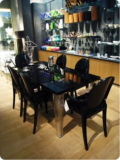I dream of owning this dining set: Kartell Top Top Dining Table and Louis Ghost Chairs