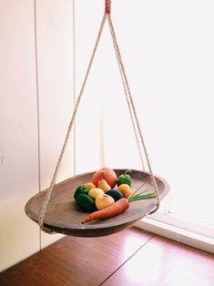 New Fruit Diy Basket Counter Space Ideas Hanging Fruit Baskets, Hanging Baskets Kitchen, Kitchen Tray, Space Kitchen, Kitchen Storage, Fruit Party, New Fruit, Best Fruits, Diy Hanging