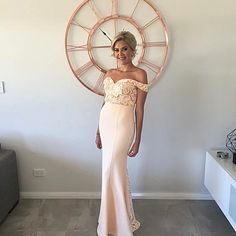 Shop for stylish and modern bridesmaid dresses, prom dresses, engagement dresses and evening dresses online or try on bridesmaid dresses in our New York pop-up showroom. Flattering Bridesmaid Dresses, Modern Bridesmaid Dresses, Brides And Bridesmaids, Prom Dresses, Formal Dresses, Wedding Dresses, White Runway, Evening Dresses Online, Engagement Dresses