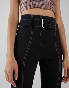 Jogging trousers with side stripe - null - Bershka United Kingdom : Flared trousers with contrasting detail Belted Shorts, Comfortable Outfits, High Waisted Skirt, Leather Pants, Black Jeans, Trousers, My Style, Cyberpunk, Jogging