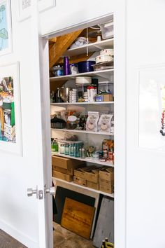 Townhouse Kitchen Remodel: Built-in pantry under the stairs. Clever Kitchen Storage, Kitchen Storage Solutions, Built In Pantry, Home Garden Design, English House, Beautiful Kitchens, Small Bathroom, Bathrooms, Kitchen Design