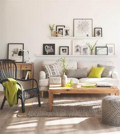 ¿Quieres cambiar el look de tu salón? Te damos 4 ideas muy fáciles que puedes hacer tú misma y por poco dinero para decorar la pared del sofá.