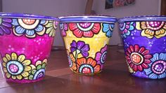 Painted Clay Pots, Painted Flower Pots, Hand Painted Ceramics, Painted Pebbles, Flower Pot People, Pottery Pots, Flower Pot Design, Garden Whimsy, Clay Pot Crafts