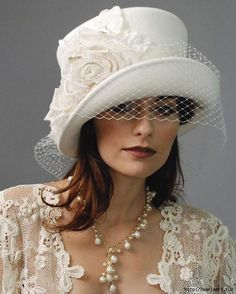 Bridal Hats and Veils - Louise Green Millinery Can't find the original source, but assuming that it is felt, I love the softness it gives to a top hat-like structure Fancy Hats, Cool Hats, Bridal Tops, Bridal Hat, Church Hats, Kentucky Derby Hats, Wearing A Hat, Love Hat, Mode Inspiration