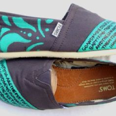 TOMS with bible versus on them (: