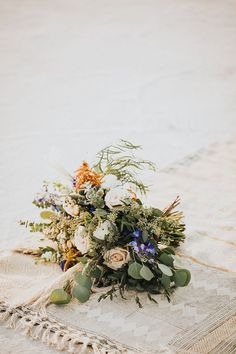 Noble eliminated wedding decorations and flowers Book your tickets Winter Bridal Bouquets, Rustic Bridal Bouquets, Wedding Ceremony Floral Arch, Flower Bouquet Wedding, Space Wedding, Dream Wedding, Wedding Venue Inspiration, Wedding Decorations, Wedding Themes