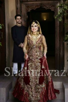 PaKiStAnİ WeDDinG BriDe & GrOoM's PhoToGrApHy !!!!!!! Bridal Mehndi Dresses, Pakistani Bridal Makeup, Pakistani Couture, Bridal Lehenga, Pakistani Formal Dresses, Pakistani Wedding Outfits, Bridal Outfits, Indian Dresses, Pakistan Bride