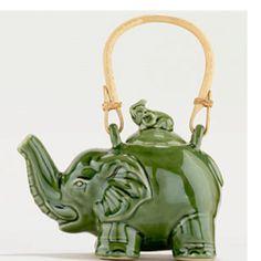 I really want an elephant teapot, preferably as cute as this. Elephant Teapot, Elephant Art, Little Elephant, Teapots And Cups, Teacups, Teapot Design, Cute Teapot, Bridal Shower Tea, Tea Cozy