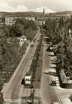 Oslo Kirkeveien fra Frogner plass mot Majorstuen og Vestre Aker kirke Oppi