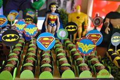 Brigadeiros DaLou em festa de super-heróis!