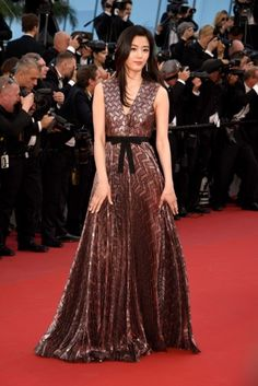 Jeon Ji Hyun walks the red carpet at Cannes Film Festival
