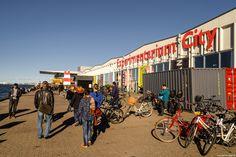 Det dejlige efterårsvejr gør, at jeg er nødt til at komme lidt ud og få kigget på nogle af de foto hængepartier, som der til stadighed er derude i det Københavnske landskab. Papirøen har jeg gået og skævet overtil, når jeg eksempelvis er i Nyhavn, på Holmen, eller som for 14 dage siden, -ude at sejle i Københavns havn... #Papirøen #Holmen #Christianshavn