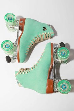 new line of Moxy RollerSkates by Urban Outfitters which come in colors like Teal, Purple and Strawberry! I need these skates on my feet pro. Looks Vintage, Vintage Love, Retro Vintage, Vintage Vibes, Urban Outfitters, Roller Derby, Roller Skating, Roller Rink, Roller Disco