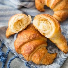 This was the easiest croissant recipe I've ever made. No butter square needed! I never thought I could do it but they came out perfect! #croissant #croissants #recipe #breakfast #dinner #meals #dessert #Frenchtoast #chocolate #appetizers #almond #breadpudding #hamandcheese #stuffed #homemade #bake #dough #toppings #sandwiches #filling #Paris #video #easy #lunch #nutella #French #butter #brunch #bakingamoment Easy Croissant Recipe, Easy Puff Pastry Recipe, Croissant Dough, Breakfast Croissant, Puff Pastry Croissant, Croissant Bread, Crossant Recipes, Homemade Crescent Rolls, Homemade Croissants