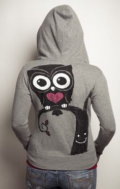 This Akumu Ink zip-up hooded sweatshirt features hand-drawn artwork of an owl perched on a smiling tree. Our small coffin shaped logo is printed on the front left chest like a signature on every shirt Owl Hoodie, Fleece Hoodie, Hooded Sweatshirts, Hoodies, Owl Clothes, Owl Bags, Felt Owls, Beautiful Owl, Owl City
